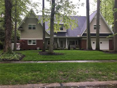 Avon Lake Single Family Home For Sale: 225 James Cir