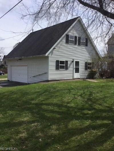 Guernsey County Single Family Home For Sale: 449 North 3rd St