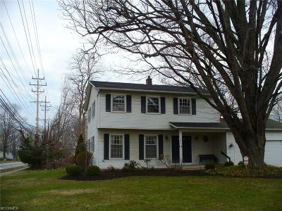 Mentor Single Family Home For Sale: 6230 Brambleside Ln