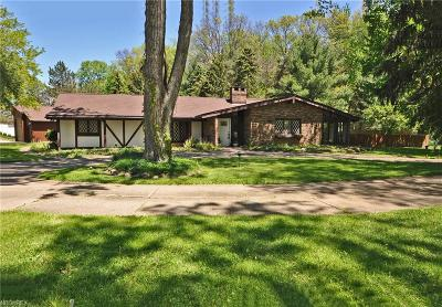 North Olmsted Single Family Home For Sale: 5495 Barton Rd
