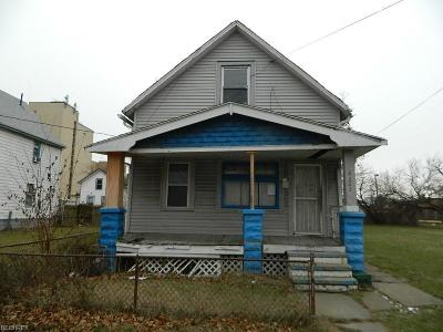 Single Family Home For Sale: 2203 Seymour Ave