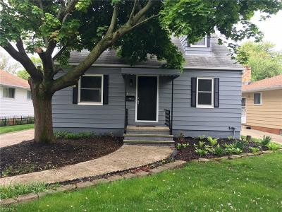 Middleburg Heights Single Family Home For Sale: 16735 Brinbourne Ave