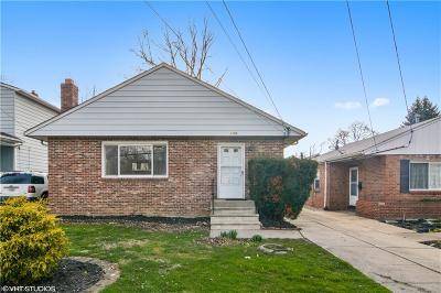 Mayfield Heights Single Family Home For Sale: 1182 Lander Rd