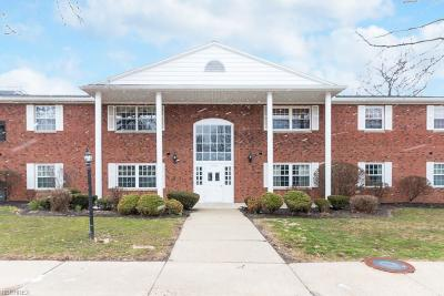 Rocky River Condo/Townhouse For Sale: 2826 Pease Dr #110
