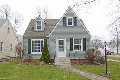 Parma Heights Single Family Home For Sale: 7073 Beresford Ave