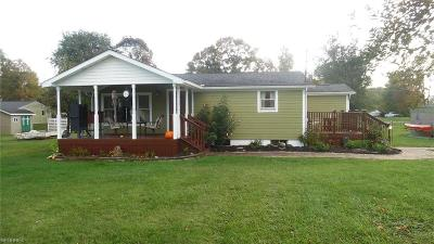 Williamstown Single Family Home For Sale: 120 North Meadowlark Dr.