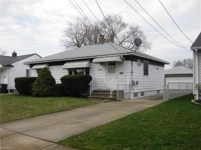 Brook Park Single Family Home For Sale: 5790 Fry Rd