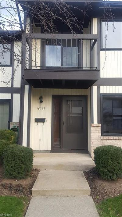 Middleburg Heights Condo/Townhouse For Sale: 16289 Heather Ln #D2