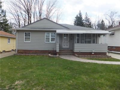 Parma Heights Single Family Home For Sale: 9237 Crestwood Dr
