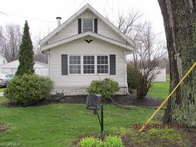 Leavittsburg Single Family Home For Sale: 622 Bishop Rd