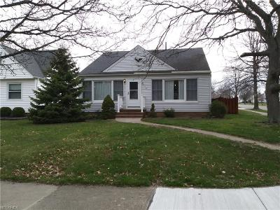 Middleburg Heights Single Family Home For Sale: 7521 Farnum Ave