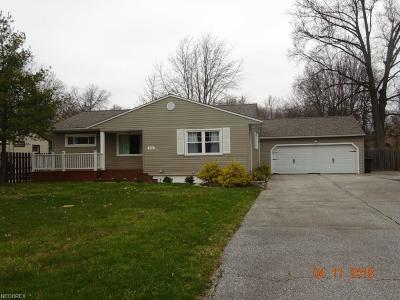Strongsville OH Single Family Home For Sale: $189,900
