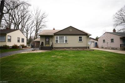 Youngstown Single Family Home For Sale: 3214 Quentin Dr