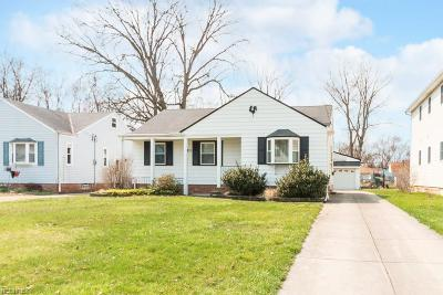 Parma Heights Single Family Home For Sale: 6922 Orchard Blvd