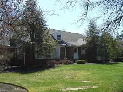 Chardon Single Family Home For Sale: 12051 Wintergreen Dr