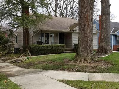 Middleburg Heights Single Family Home For Sale: 16536 Parklawn Ave