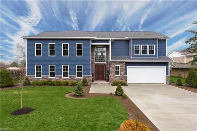 Beachwood Single Family Home For Sale: 24331 Maidstone Ln