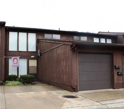 North Olmsted Condo/Townhouse For Sale: 5580 Barton Rd #303