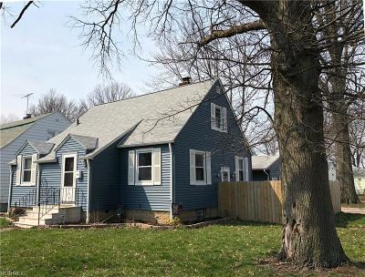 Elyria Single Family Home For Sale: 458 Cambridge Ave