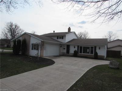 North Olmsted Single Family Home For Sale: 5890 Revere Dr