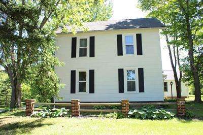 Geauga County Single Family Home For Sale: 13617 Chillicothe Rd