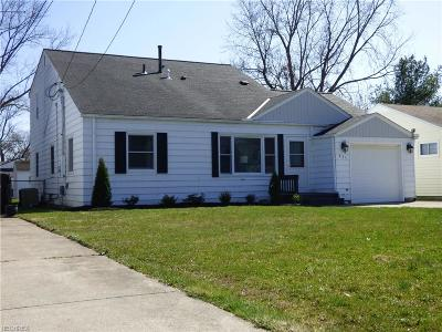 Elyria Single Family Home For Sale: 435 Berkshire Rd