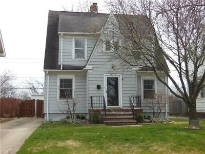 Bay Village, Rocky River, Fairview Park, Westlake, Lakewood Single Family Home For Sale: 14973 Lakewood Heights Blvd