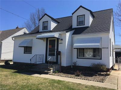 Willowick Single Family Home For Sale: 28920 Foxboro St
