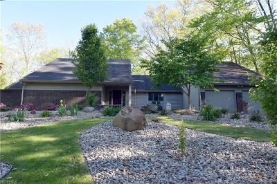 Warren Single Family Home For Sale: 700 Hidden Valley Dr