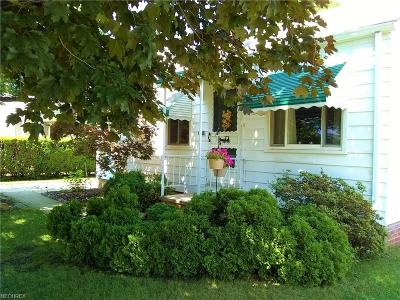 Wickliffe Single Family Home For Sale: 2129 Green Ridge Dr