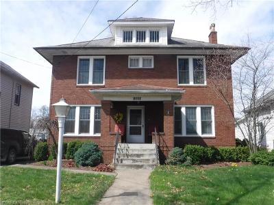 Single Family Home For Sale: 1305 Main St