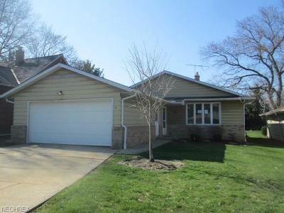Richmond Heights Single Family Home For Sale: 4956 Donald Ave