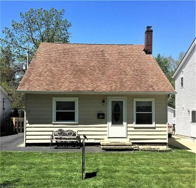 Willoughby Single Family Home For Sale: 676 Cherokee Trl