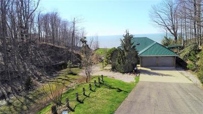 Ashtabula County Single Family Home For Sale: 3211 West Lake Rd