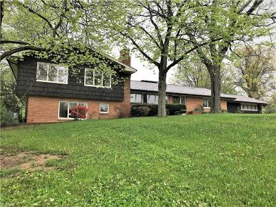 Olmsted Falls Single Family Home For Sale: 6540 Columbia Rd