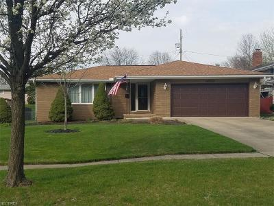 Middleburg Heights Single Family Home For Sale: 14700 Indian Creek Dr