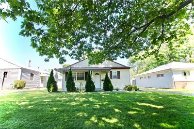 Mentor Single Family Home For Sale: 5045 Belle Meadow Rd
