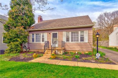 Chagrin Falls Single Family Home For Sale: 109 Hazelwood Dr