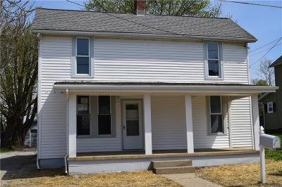 Zanesville Single Family Home For Sale: 45 East King St