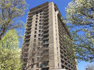 Bay Village, Cleveland, Lakewood, Rocky River, Avon Lake Condo/Townhouse For Sale: 12500 Edgewater #1503
