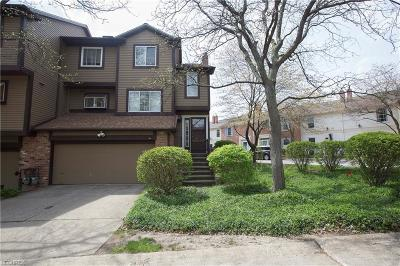 Euclid Condo/Townhouse For Sale: 101 Greenbriar Ct #101