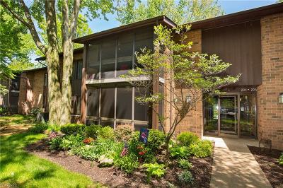 North Olmsted Condo/Townhouse For Sale: 22954 Maple Ridge Rd #105