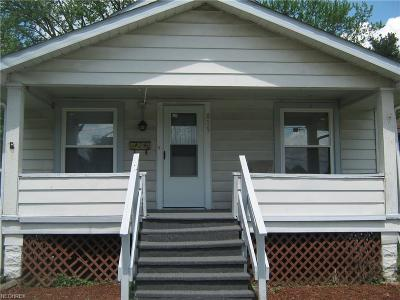 Muskingum County Single Family Home For Sale: 819 Race St