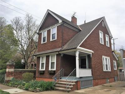 Bratenahl Single Family Home For Sale: 31 Garfield