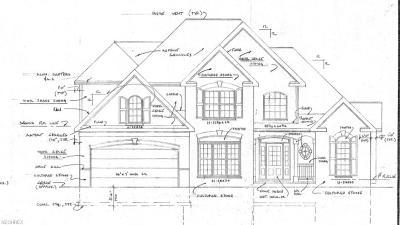 Mentor Single Family Home For Sale: 8677 Johnnycake Ridge Rd
