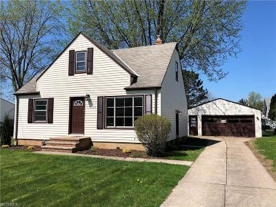 North Olmsted Single Family Home For Sale: 6764 Mackenzie Rd