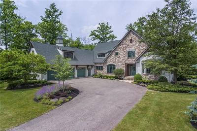 Chagrin Falls Single Family Home For Sale: 9410 Weathervane Dr