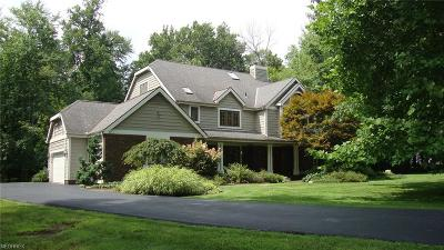Geauga County Single Family Home For Sale: 8730 Galloway Trl