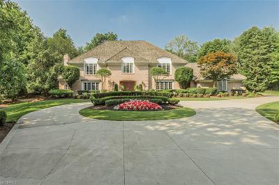 Moreland Hills Single Family Home For Sale: 90 Ridgecreek Trl