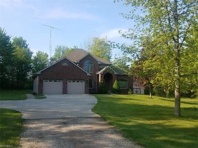 Ashtabula County Single Family Home For Sale: 3230 State Rd